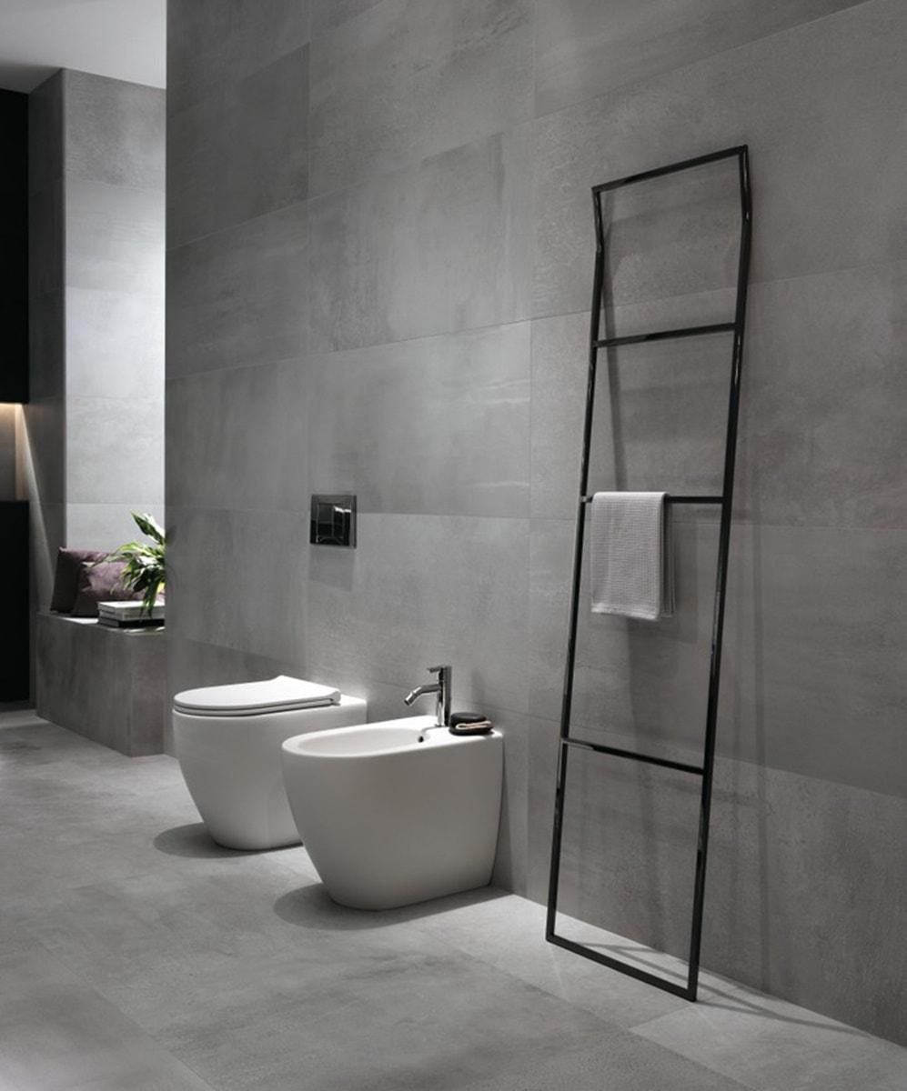 Obklady v metalické barvě v koupelně 2