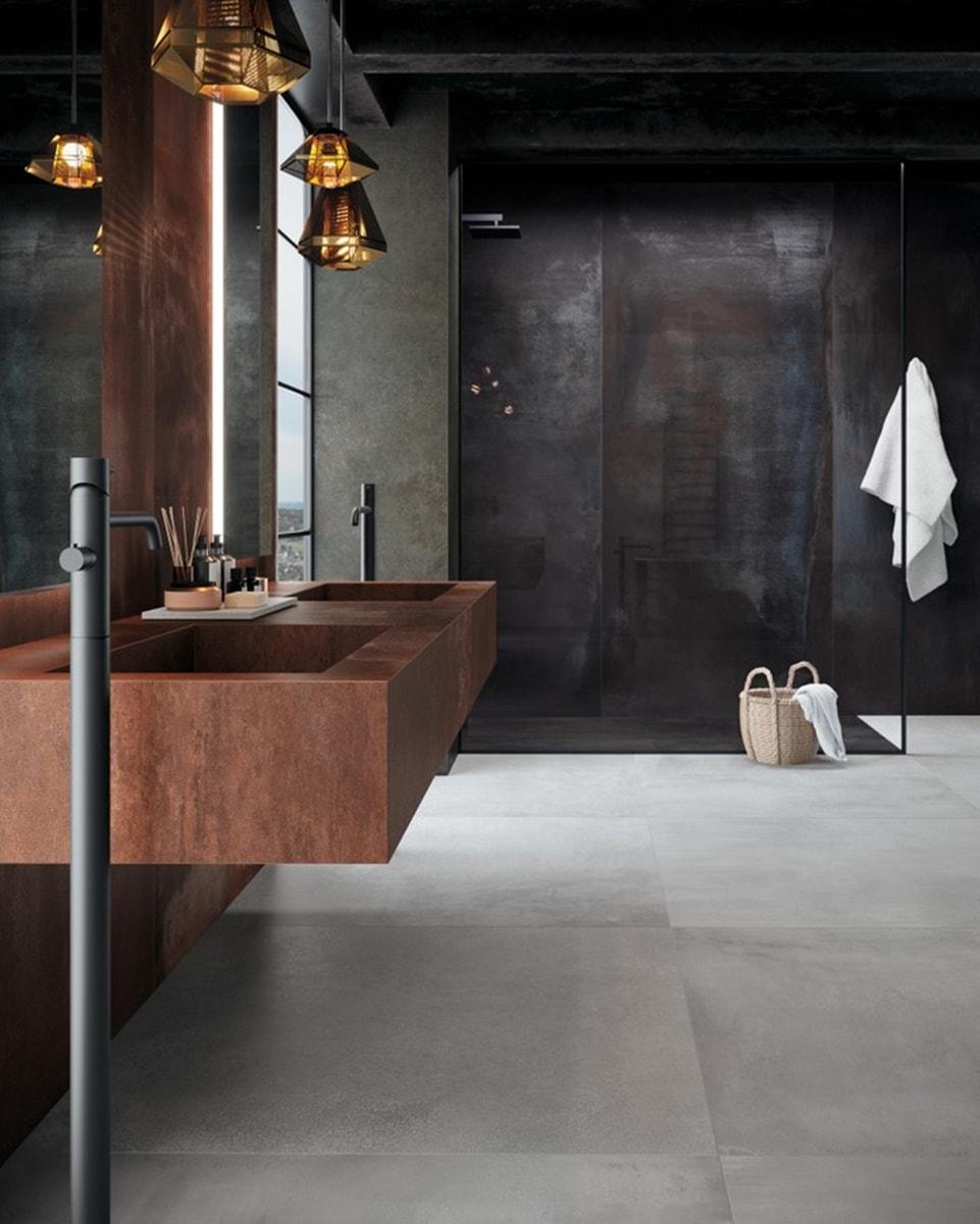 Obklady v metalické barvě v koupelně 9