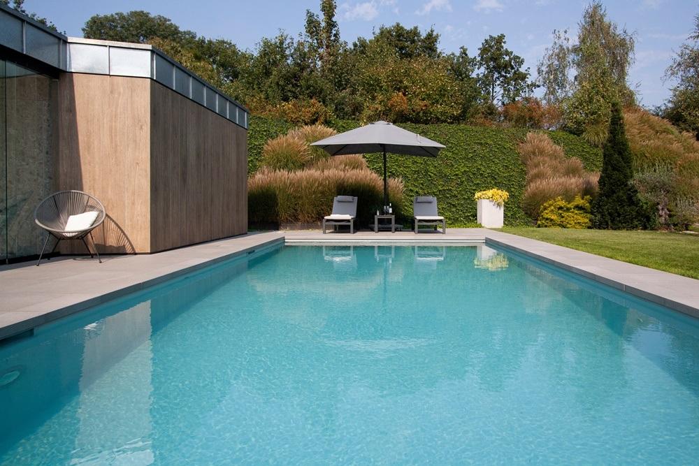 Dokonalá dlažba kolem bazénu 14