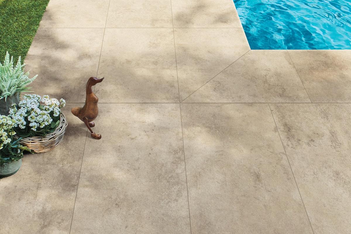 Dokonalá dlažba kolem bazénu 11