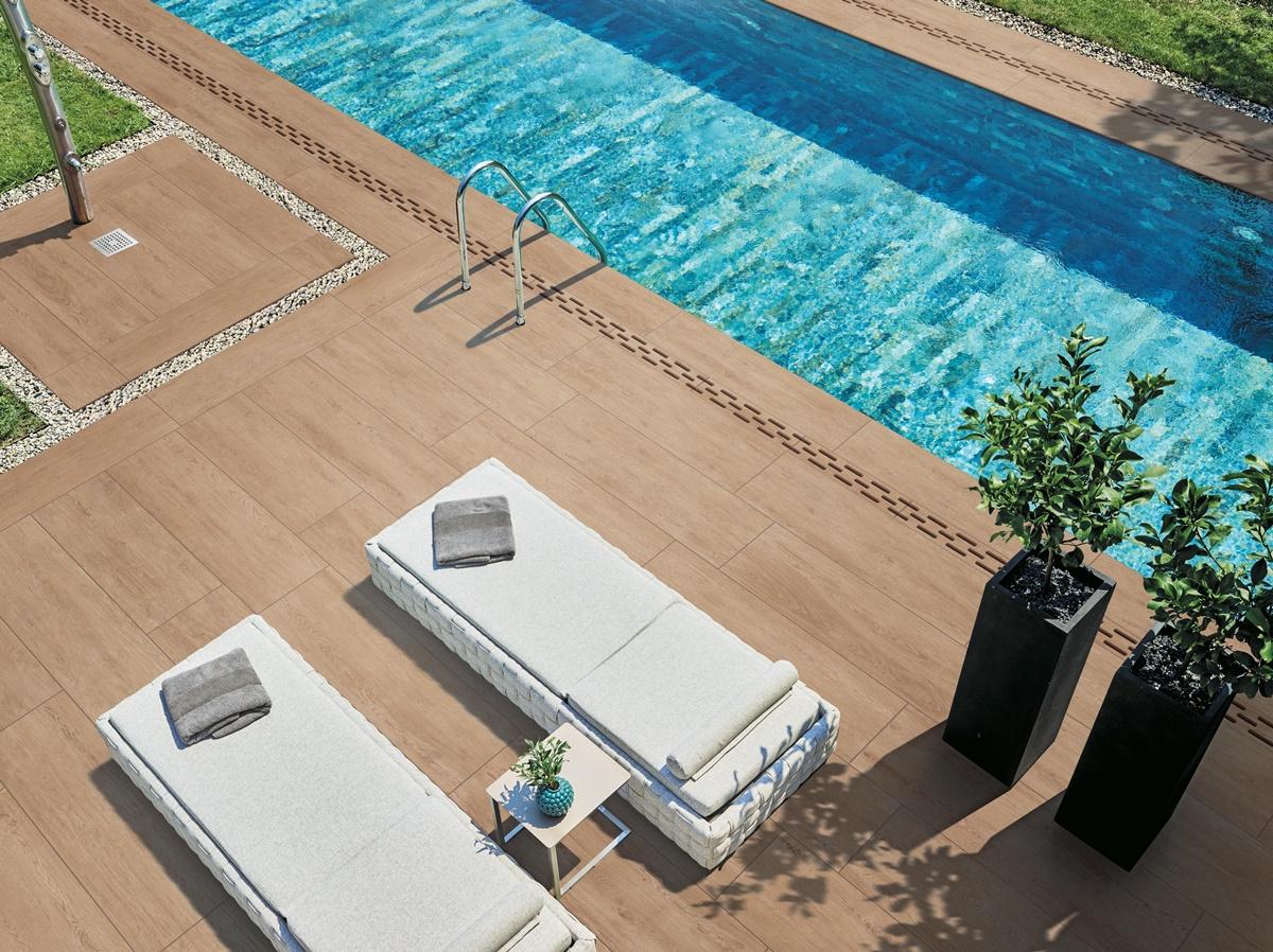 Dokonalá dlažba kolem bazénu 12
