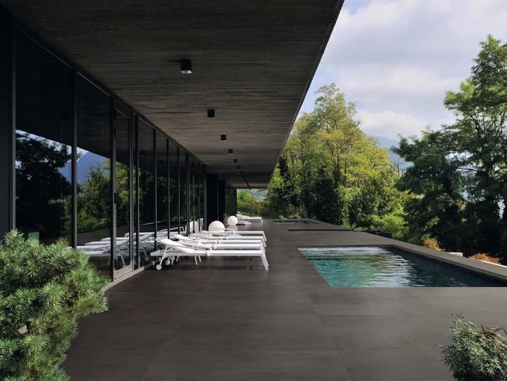 Dokonalá dlažba kolem bazénu 5
