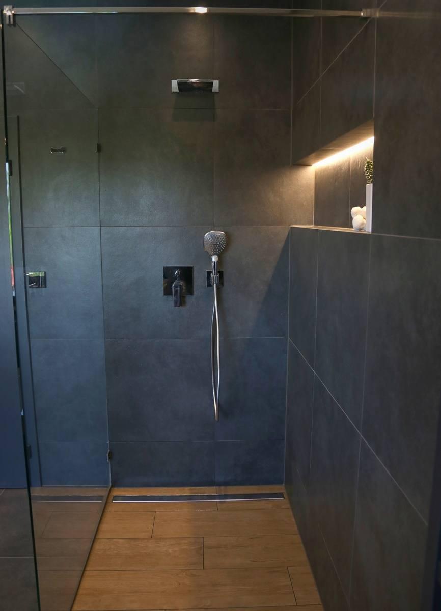 Niky v koupelně 8