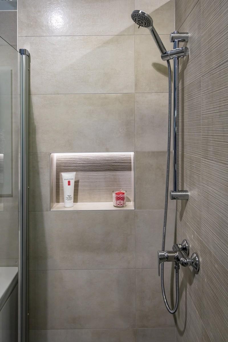 Niky v koupelně 9