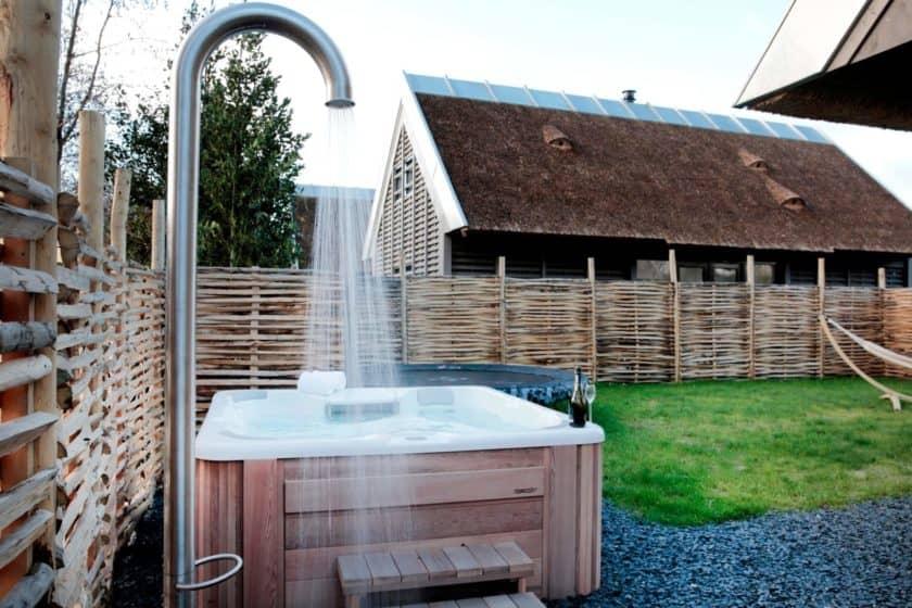 Zahradní sprchy pro letní osvěžení 1