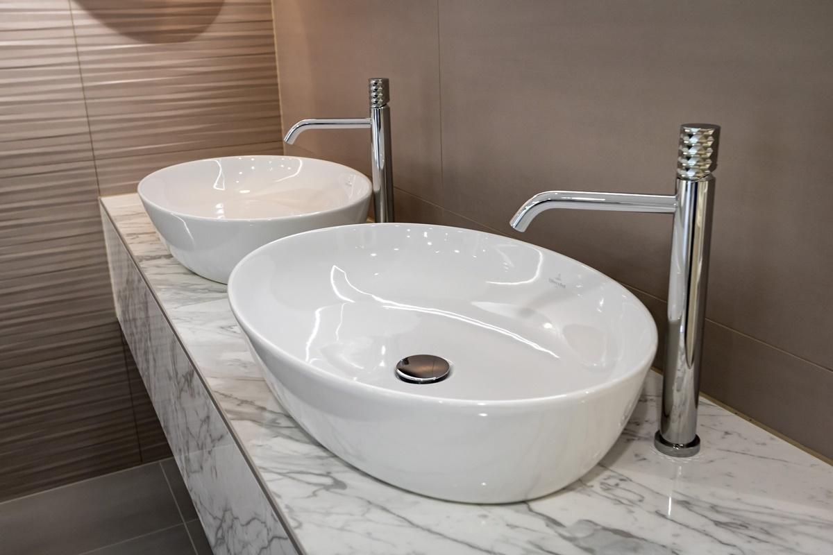 Dámská koupelna_umyvadla