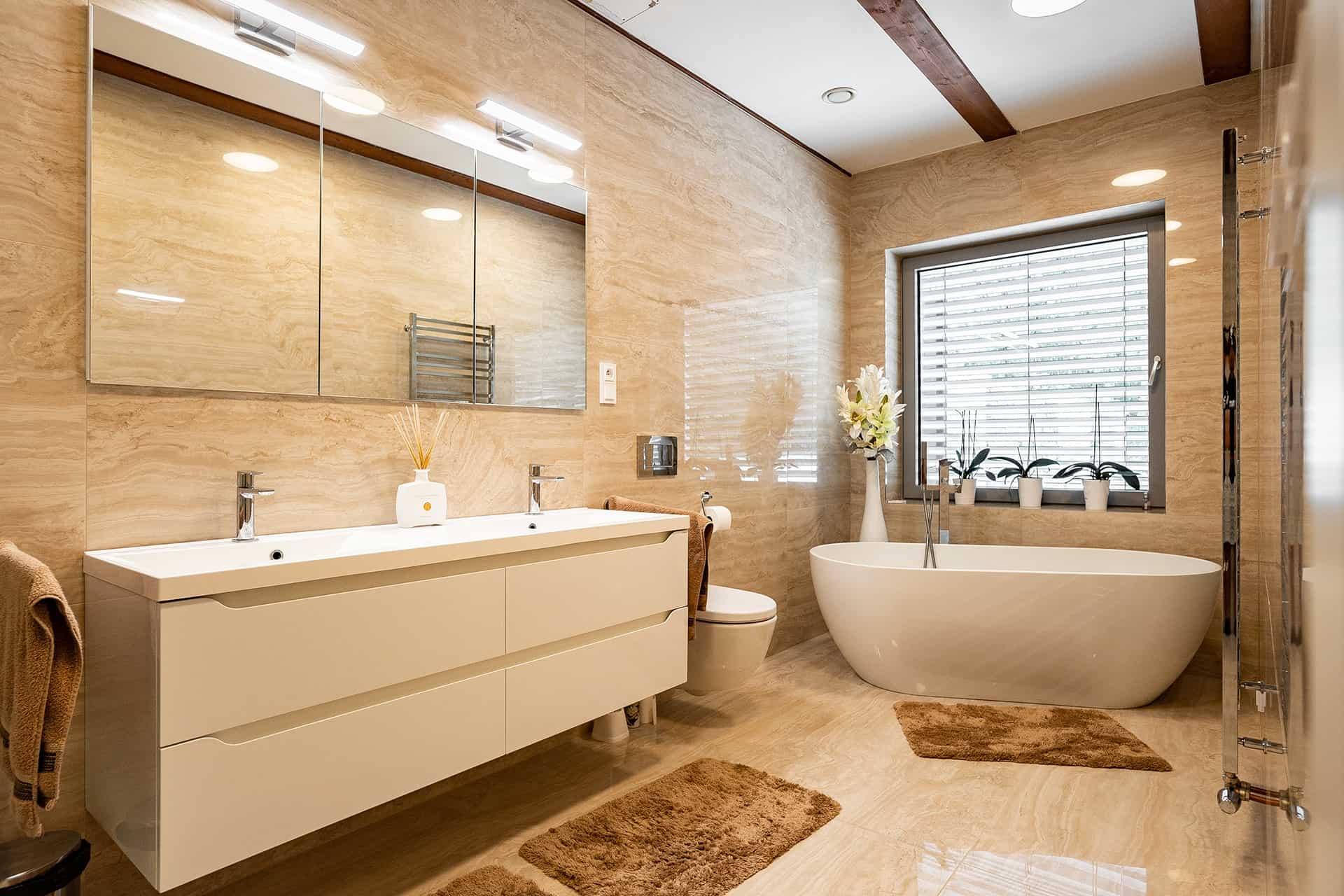 Travertin v koupelně