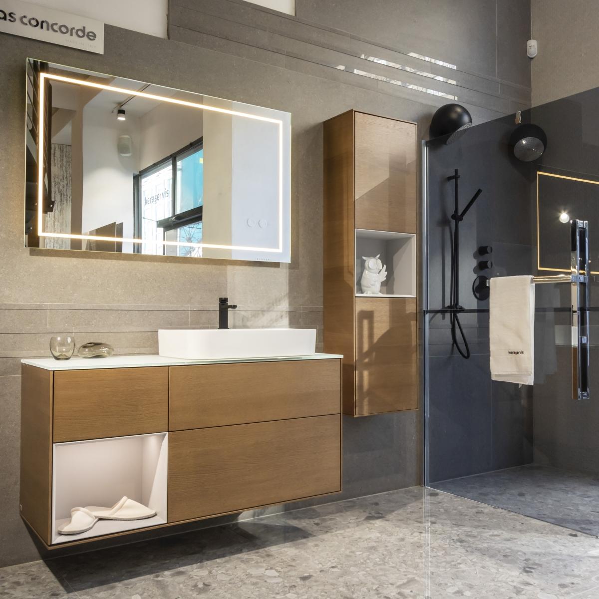 Designová koupelna s volně stojící vanou 4