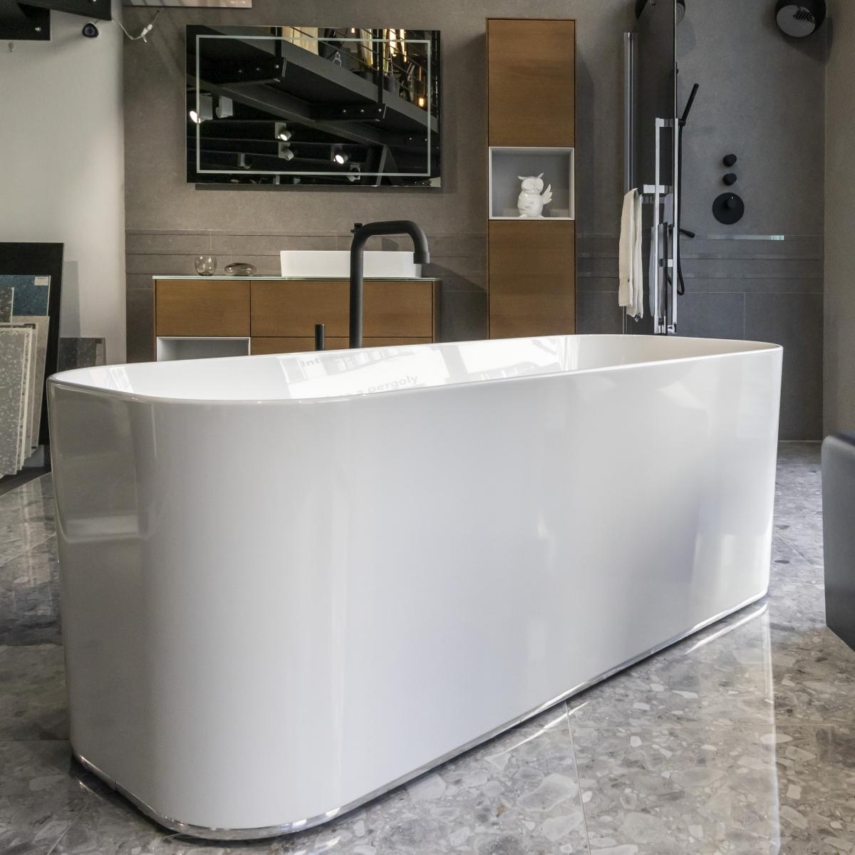 Designová koupelna s volně stojící vanou 5