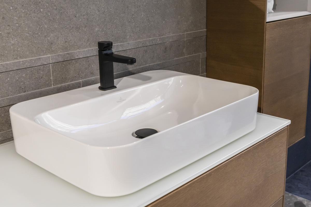 Designová koupelna s volně stojící vanou 6