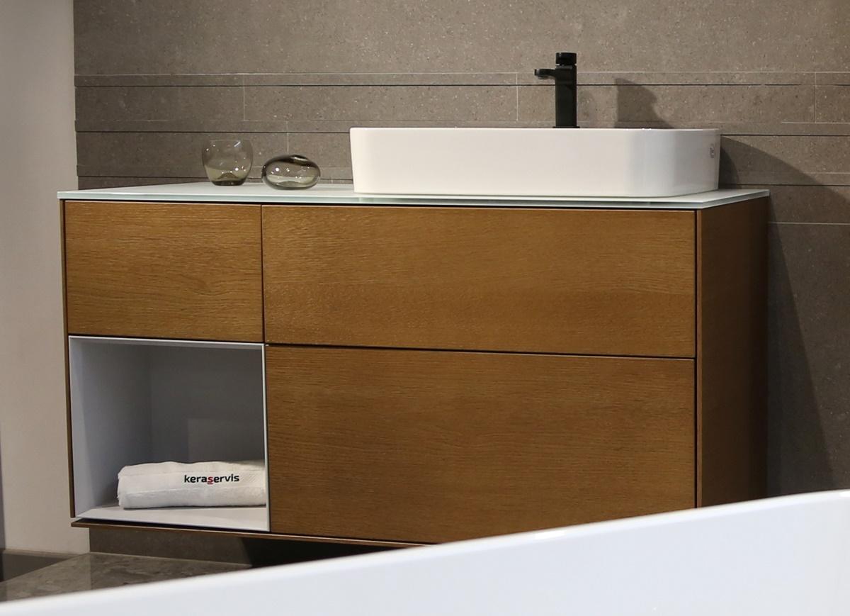 Designová koupelna s volně stojící vanou 2