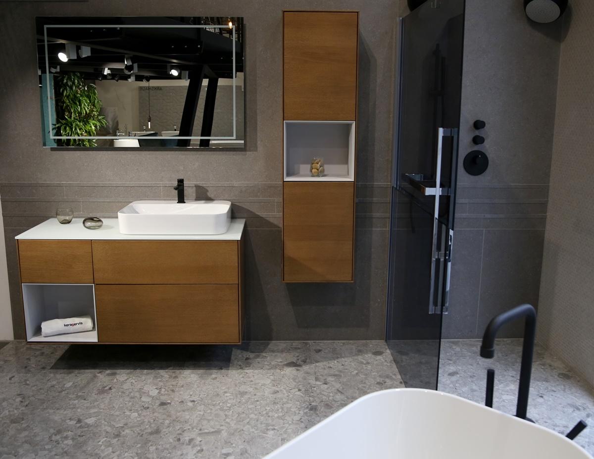 Designová koupelna s volně stojící vanou 3