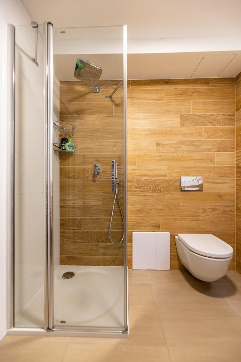 Dvě koupelny v rodinném domě 3