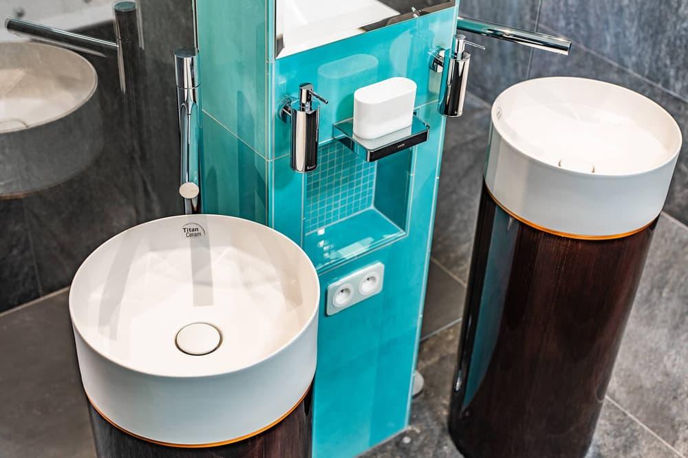Luxusní koupelna propojená s ložnicí 10