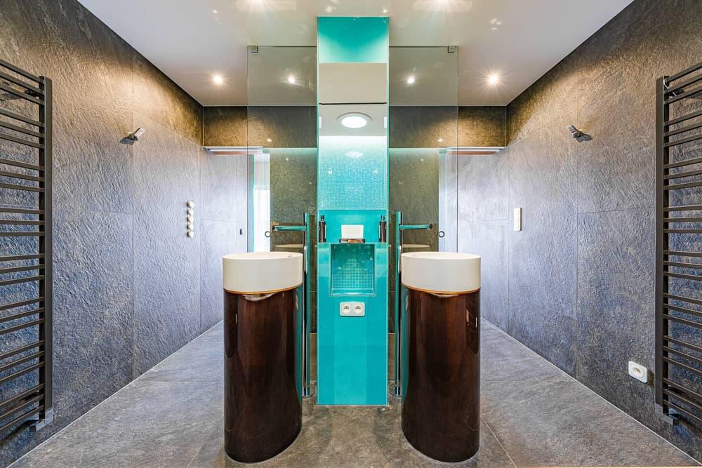 Luxusní koupelna propojená s ložnicí 3