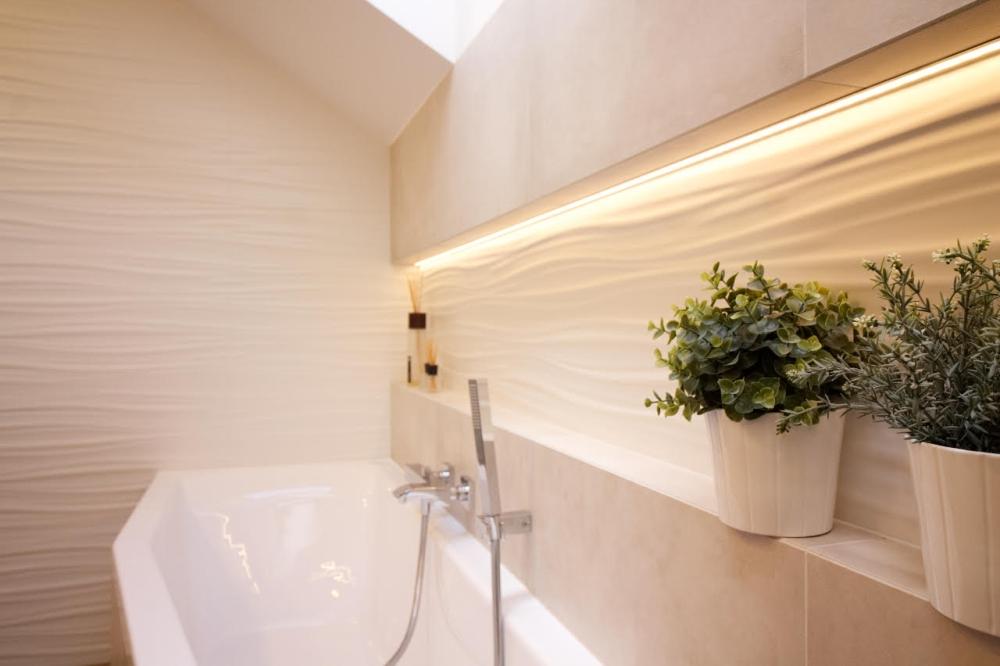 Podkrovní koupelna v rodinném domě v Brně 3