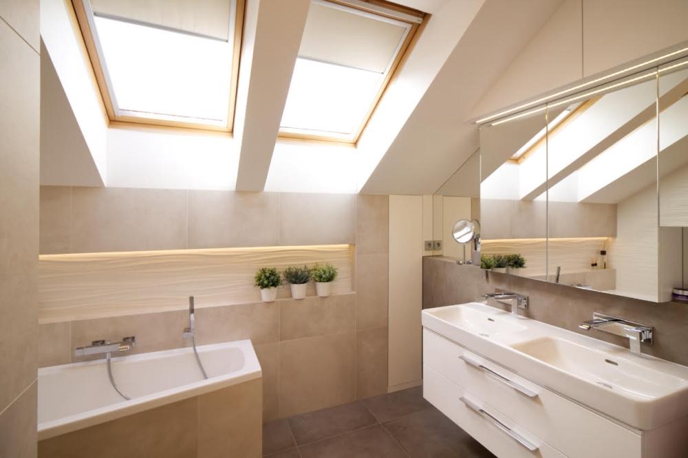 Podkrovní koupelna v rodinném domě v Brně 4